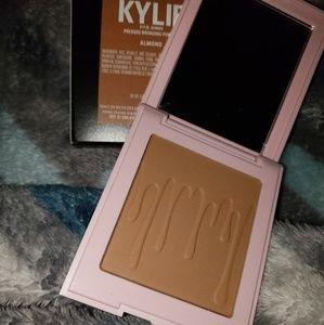Kylie Cosmetics Bronzer in Almond
